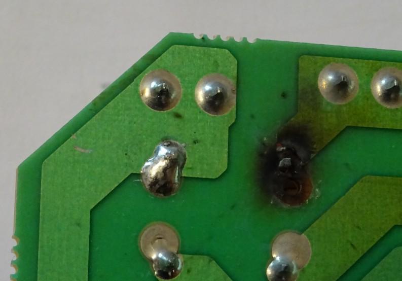 Circuit imprimé brûlé