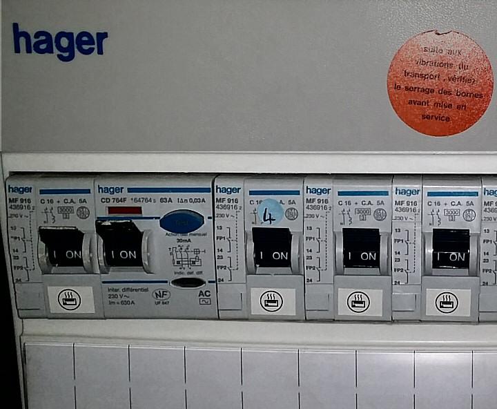 Contacteur pour radiateurs électriques Hager MF916
