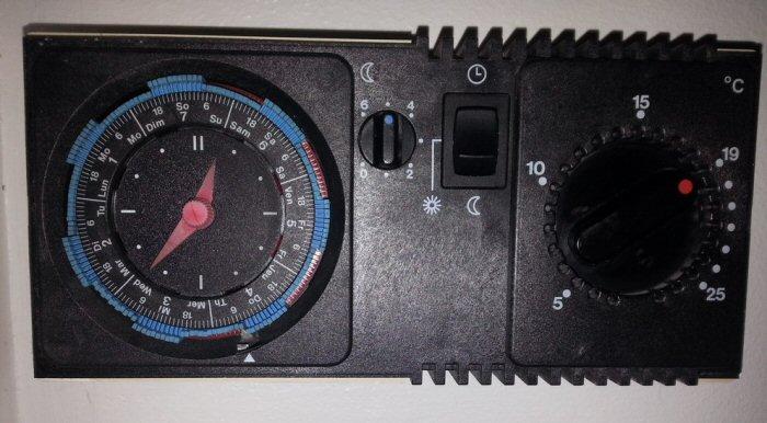 Vieux thermostat analogique 7 jours - Comment fonctionne un thermostat d ambiance ...