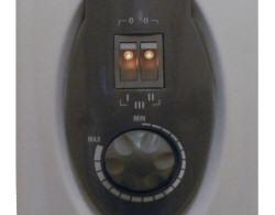 Le panneau de commandes d'un radiateur à bains d'huile de marque Ypsos